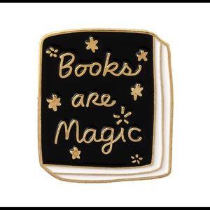📚Books Are Magic Brooch/tie pin 📚